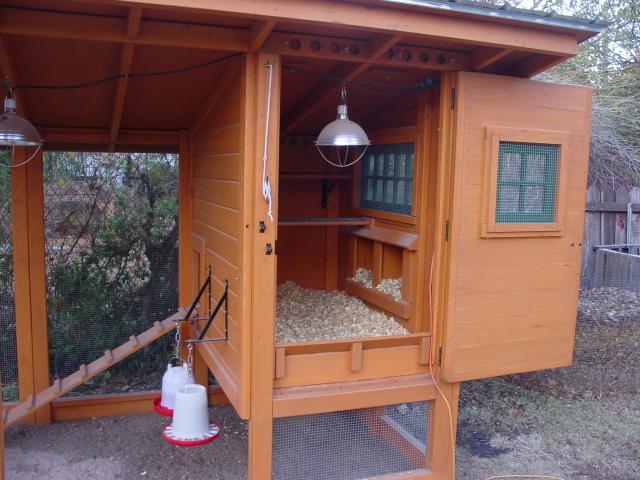 Chovatelsk za zen dr be e chovatelsk za zen for Chicken coop interior designs